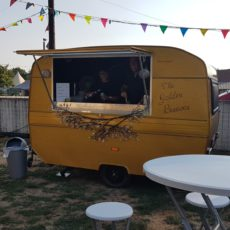 Mobiele Bar The Golden Baravan