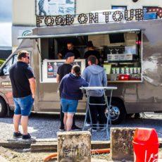 Food on tour met o.a. verse hamburgers met verse groentjes